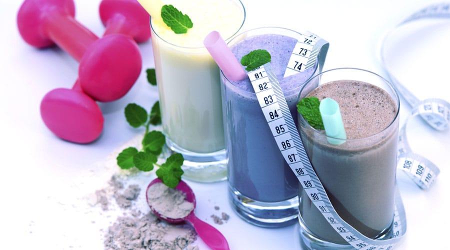 por que no deberias suplantar una comida con suplementos batido de proteinas